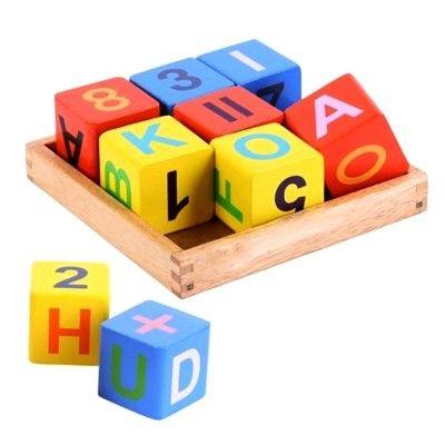 Holzbausteine - Buchstaben und Ziffern